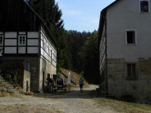 Häuser im Elbsandsteingebirge